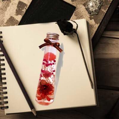 ハーバリウム通販販売店PAVO ハーバリウムキットで手作りしたハーバリウムと電球型瓶ボトル 色彩鮮やかなインスタ映え