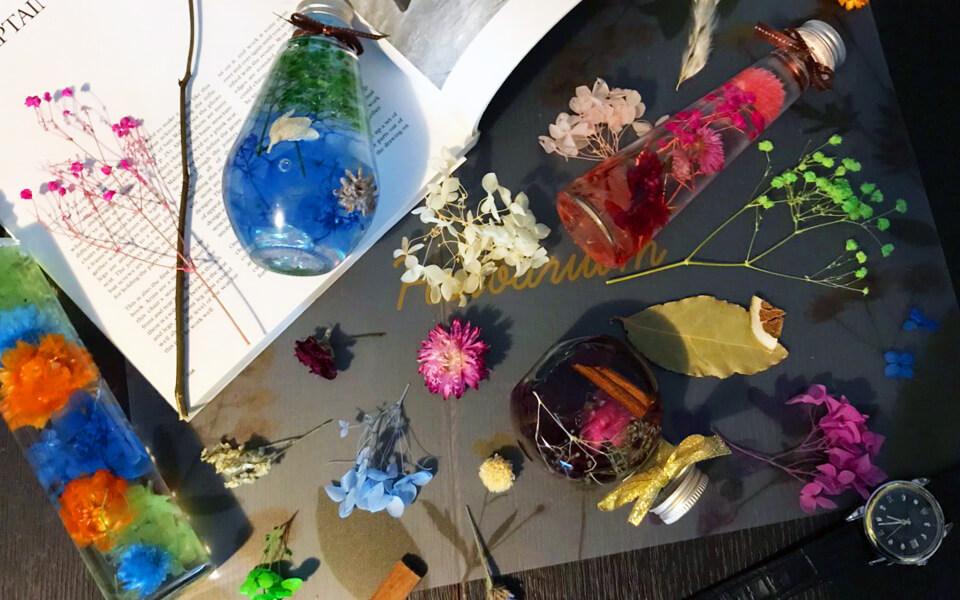 PAVOハーバリウムキットと角柱ハーバリウムボトル色彩鮮やかなインスタ映え英語雑誌